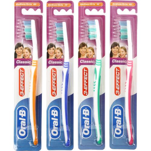 Oral-B 3-Effect Manual Toothbrush Medium - Clicks